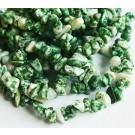 Jadeiidi chipsid 4-9mm looduslik, nööril u 44cm = 1 tk