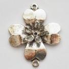 Ant.hõbedane metallhelmes-ühendaja Lill 39x32mm, 1 tk
